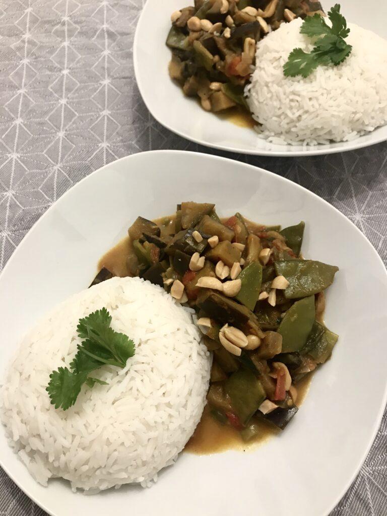 Curry angerichtet