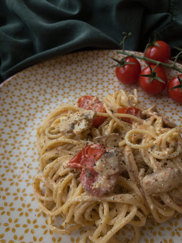 Spaghetti mit Feta und Tomaten
