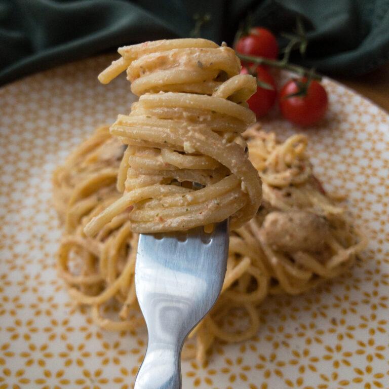 Read more about the article Spaghetti mit Feta, Champignons und Tomaten