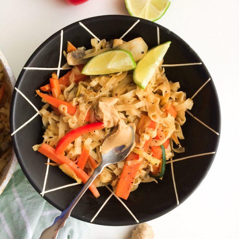 Read more about the article Wie macht man: Asiatische Woknudeln mit Gemüse und Erdnussbutter
