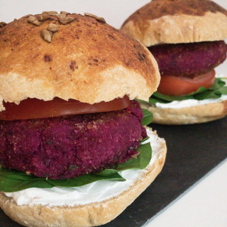 Read more about the article Wie macht man: Vegane Burger Patties aus Jackfrucht und Rote Beete